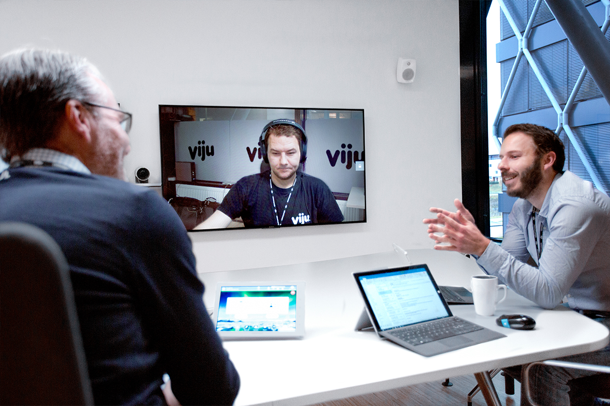 VijuConnect enhances and simplifies the meeting experience