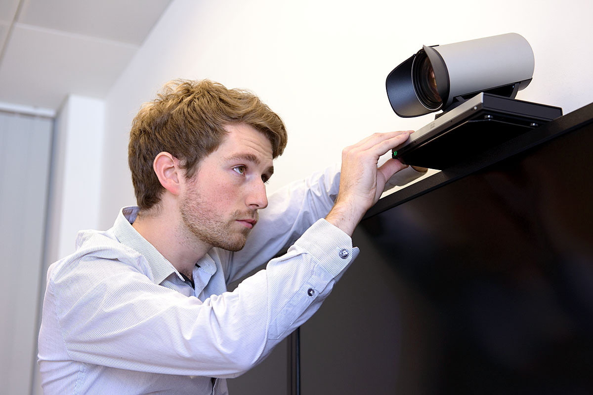 Attaching a Video Conferencing Camera to a Duel Screen