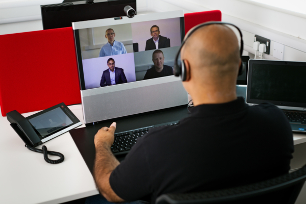 An example of Viju launching and managing video meetings